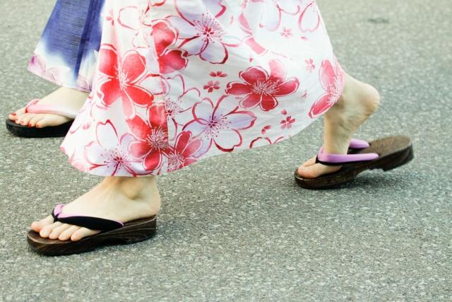 画像:草履での歩き方